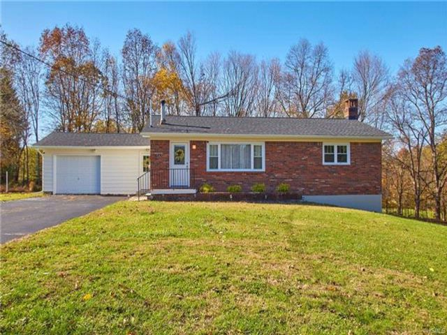 4 BR,  2.00 BTH  Ranch style home in Walden